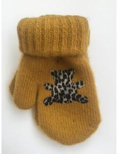 Варежки зимние горчичного цвета с мишкой